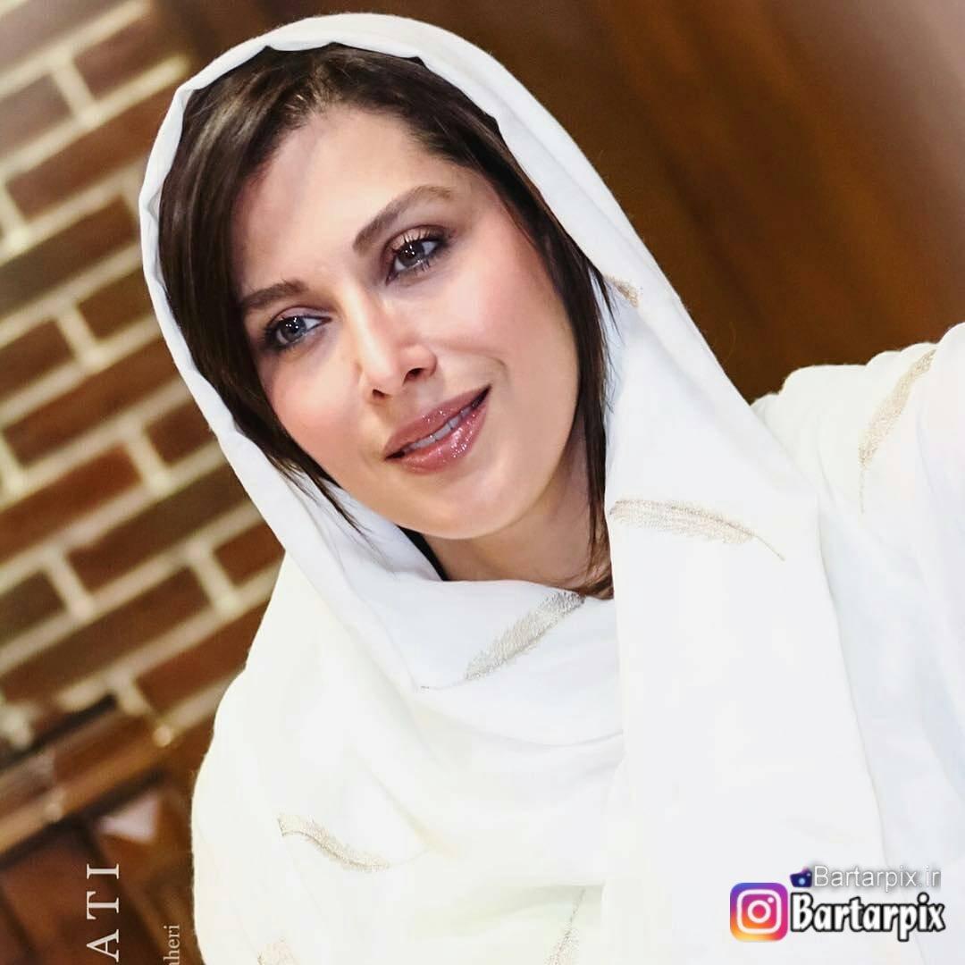 http://s9.picofile.com/file/8306401818/www_bartarpix_ir_mahtab_keramati_sahrivar_96_7_.jpg