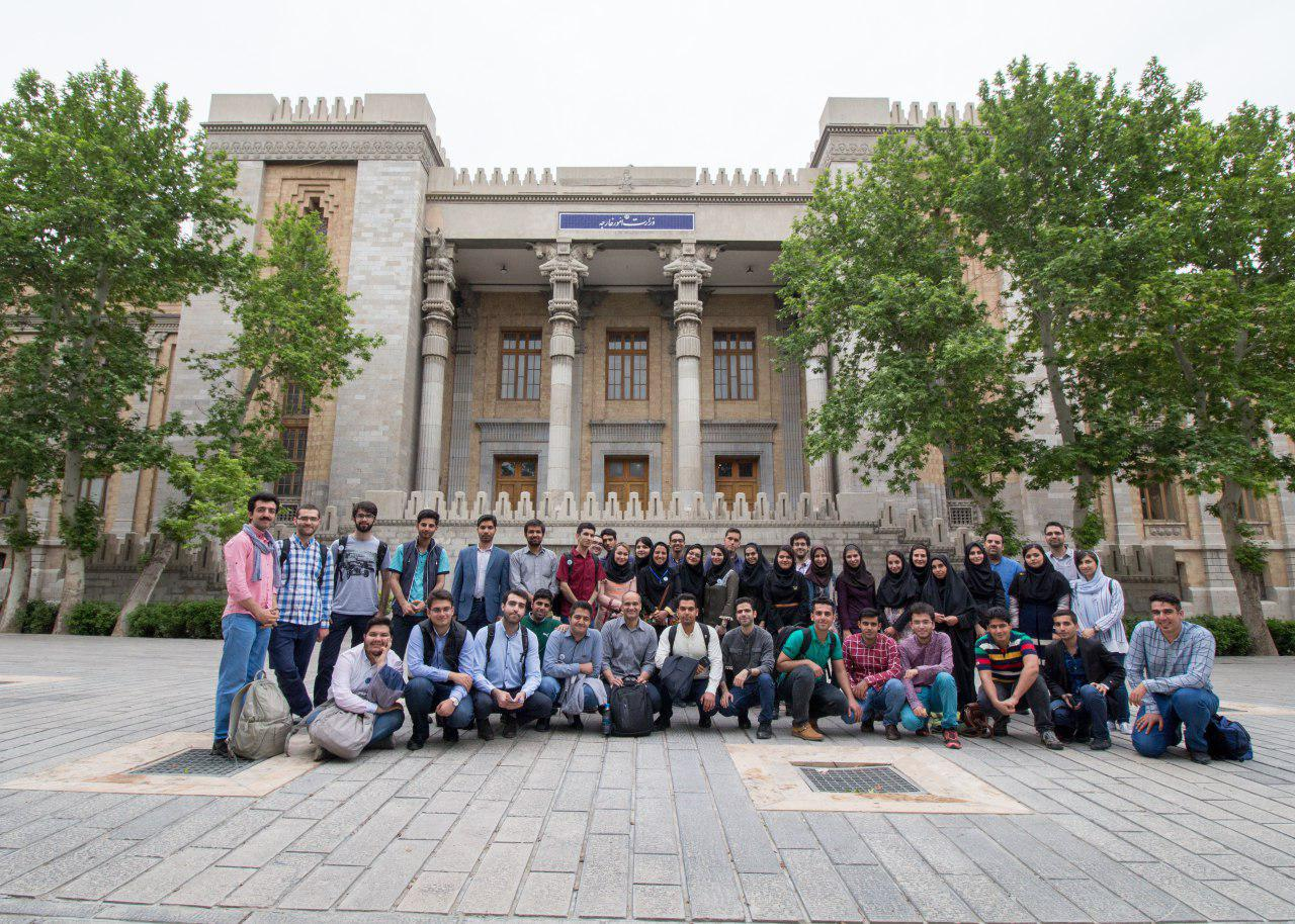 تور نیم روزه از موزه پست و کتابخانه ملک، شاخه دانشجویی IEEE دانشگاه آزاد اسلامی واحد شهر مجلسی
