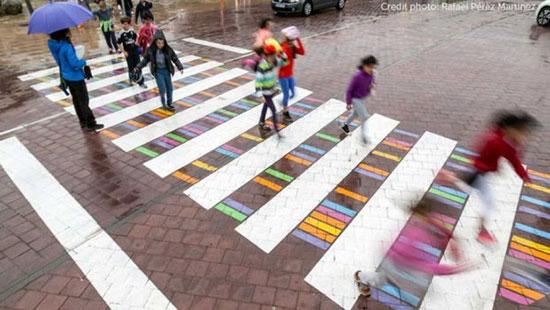 تبدیل خطوط عابر پیاده به آثار هنری رنگارنگ در شهر مادرید