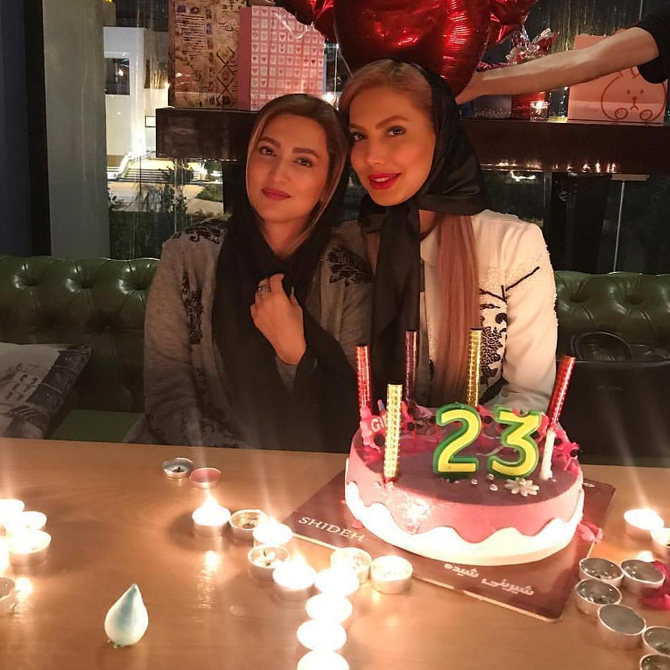 سمیرا حسینی با خواهرش