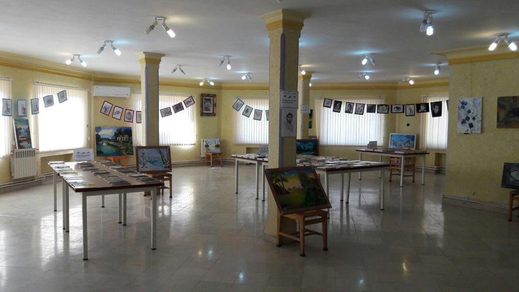 برپایی نمایشگاه کتاب، طراحی و نقاشی در رودبار
