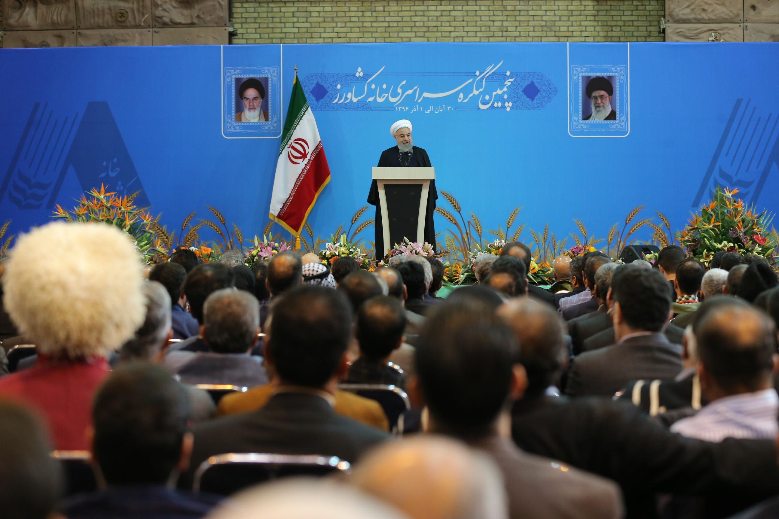 رئیس جمهور در کنگره سراسری خانه کشاورز: کنده شدن بنیان داعش را تبریک میگویم / میان دولت و مردم فاصلهای وجود ندارد