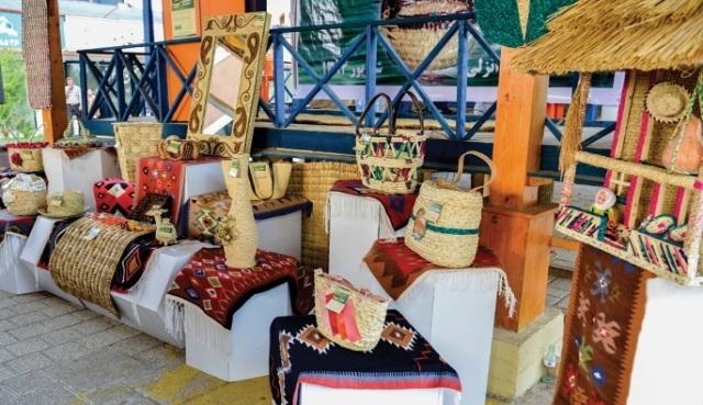صادرات چهارمین محموله صنایع دستی از منطقه آزاد انزلی به امارات
