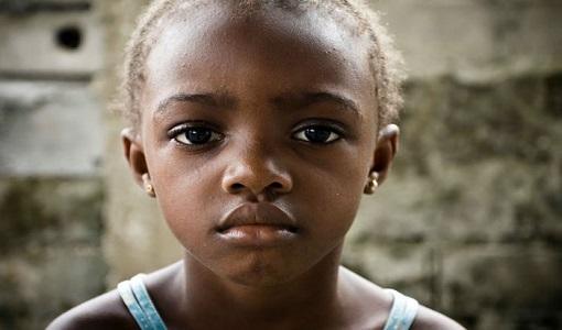 موکیته دختر اوگاندایی: «پنهان کردن بیماری ایدز توسط مادرم زندگی ام را نابود کرد»