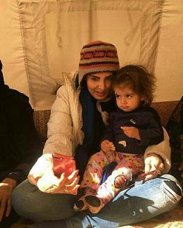ليلا بلوکات در کنار زلزله زده ها - ليلا بلوکات بازيگر سينما - عکس ليلا بلوکات