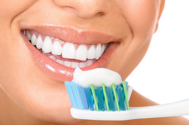 دندان پزشکان از زمان مناسب برای تعویض مسواک می گویند