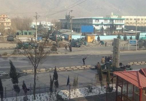 افغانستان | حمله مهاجمان انتحاری به پایگاه ارتش در کابل