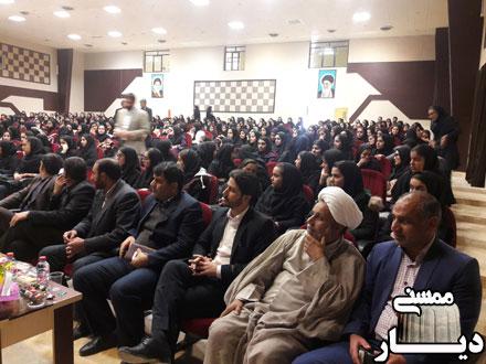 برگزاری جشن انقلاب در سالن امیرکبیر شهر نورآباد