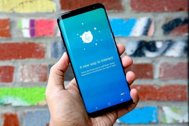 Samsung's Bixby voice assistant بدترین گجت های سال 2017