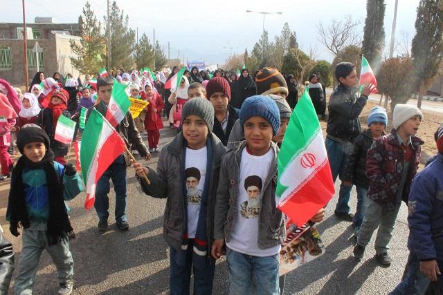 راهپیمایی با شکوه 22 بهمن ماه در شهر آبیز