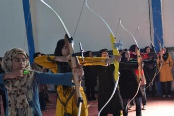 درخشش بانوان ملایری در مسابقات تیر و کمان