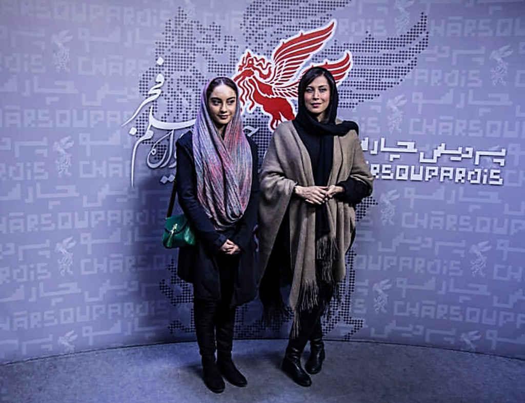 مهتاب کرامتی بازیگر و تهیه کننده در در کنار ترلان پروانه بازیگر در جشنواره فیلم فجر