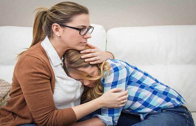 دخترها بيشتر از پسرها به افسردگي مبتلا مي شوند