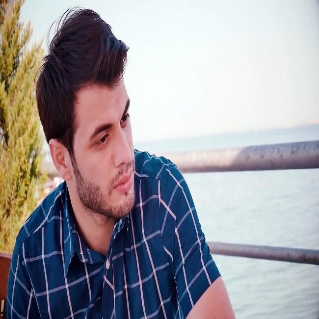 http://s9.picofile.com/file/8321860084/13Mena_Aliyev_Basqa_Alem.jpg