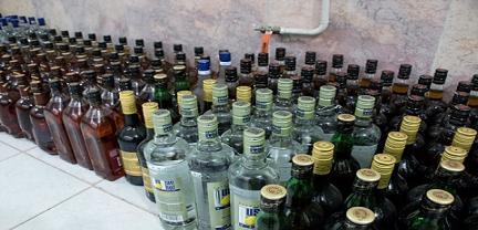 کشف مقداري مشروبات الکلي در شهر مشهد