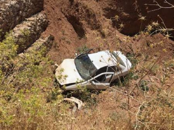 سقوط خودرو به دره در گردنه حیران آستارا یک کشته بر جا گذاشت