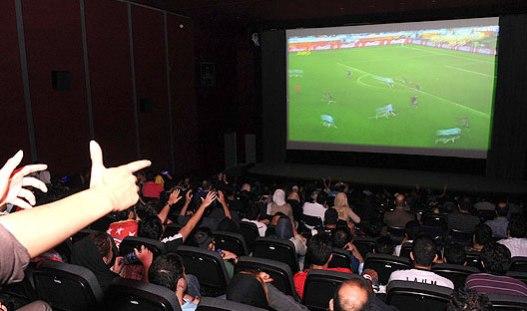 نیروی انتظامی با پخش مسابقات جام جهانی در سالنهای سینماها موافقت میکند؟