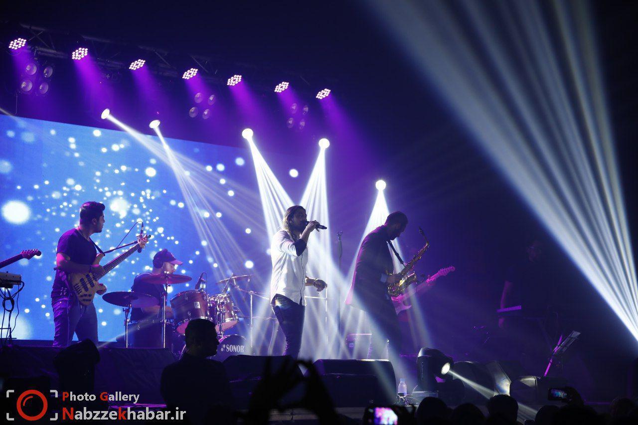 گزارش تصویری از کنسرت امیر عباس گلاب در منطقه آزاد انزلی