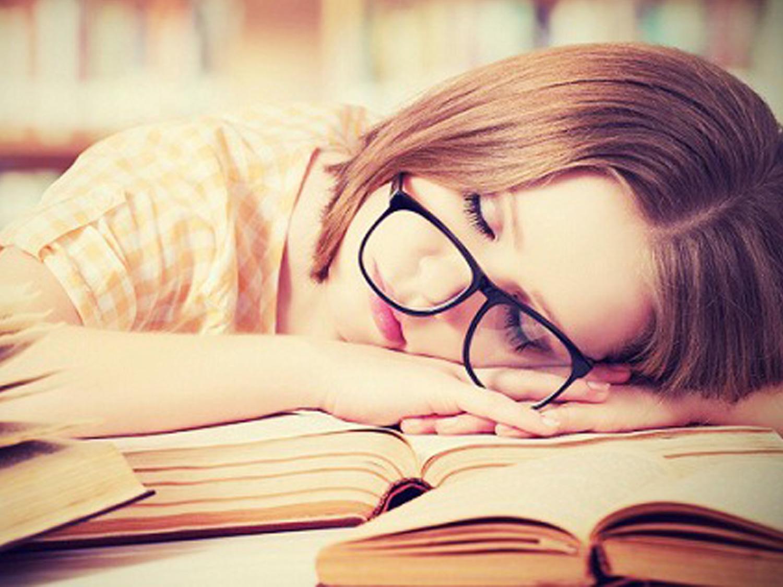 خسته خواب آلود