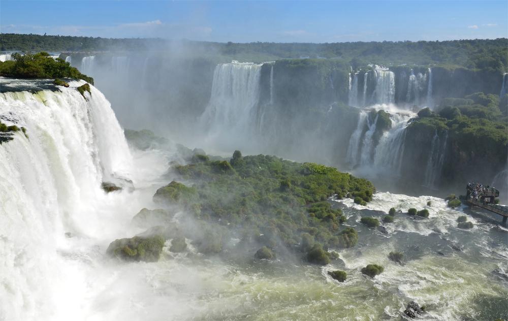 آبشار ایگواسو در مرز آرژانتین با برزیل
