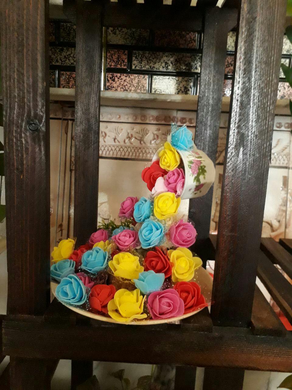 سبد گل رزهای واژگون آبشاری  تزیینی