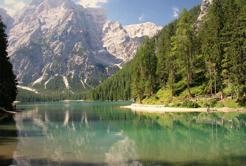 Pragser Wildsee در تیرول جنوبی ایتالیا
