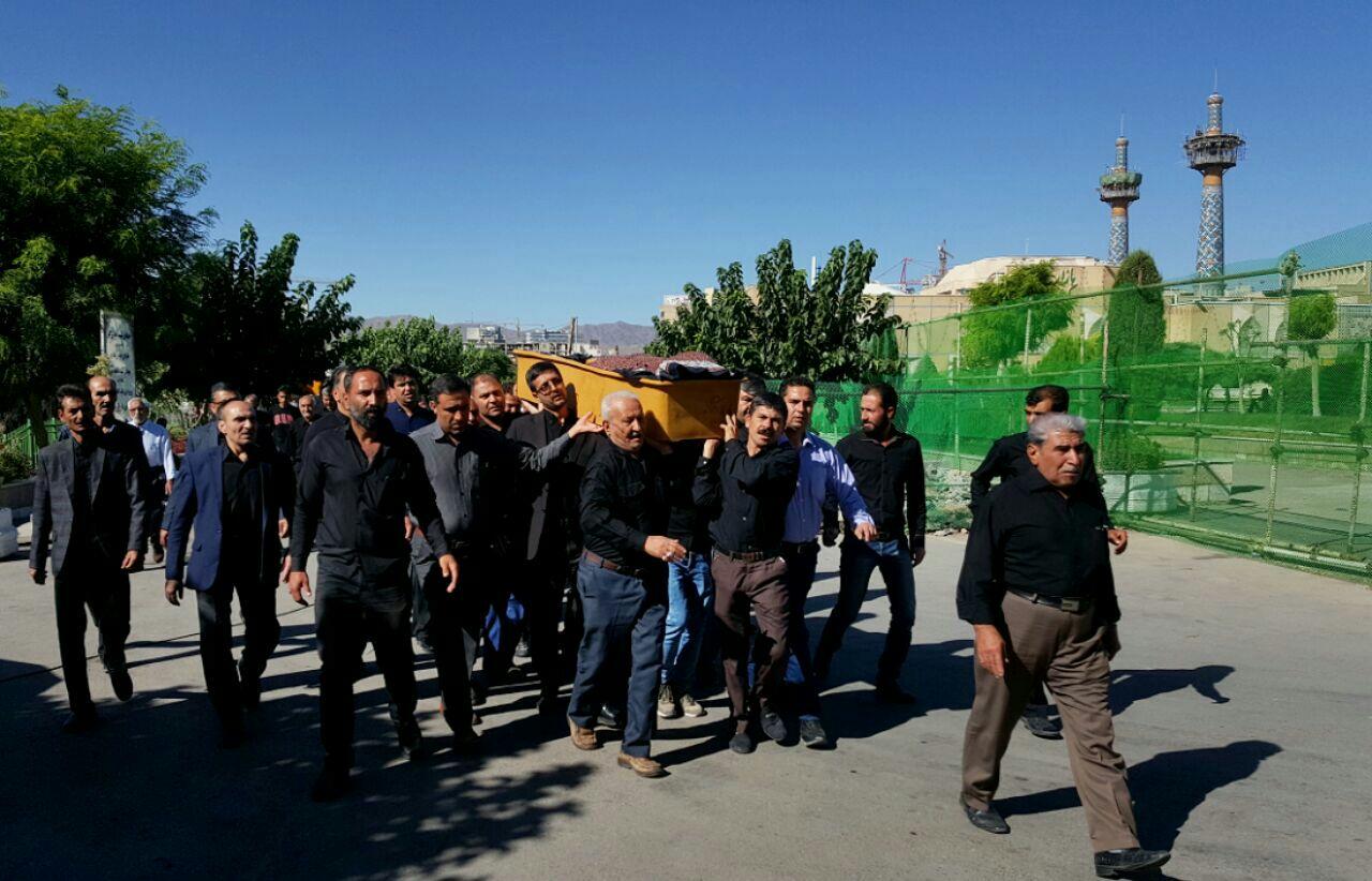 مراسم تشییع وتدفین شادروان کربلائی حاج مرادزارعی درمشهدبرگزارشد