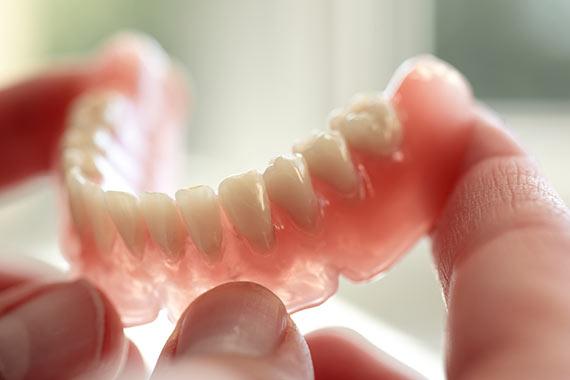 متخصص پروتز های دندانی