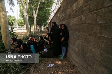 آیینه یزد - تروریستها 12 دقیقه تیراندازی کردند و کسی به آنها شلیک نکرد