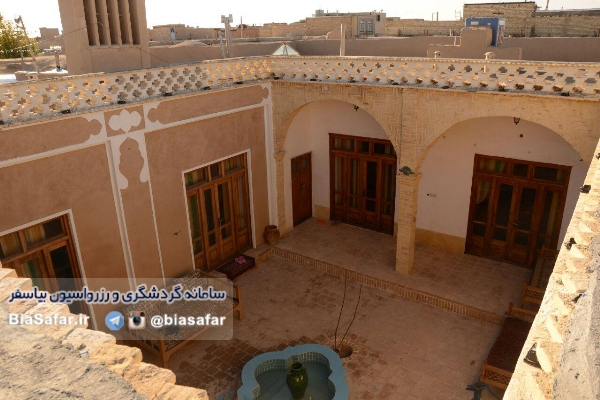 اقامتگاه بومگردی چاپاکر ورزنه اصفهان