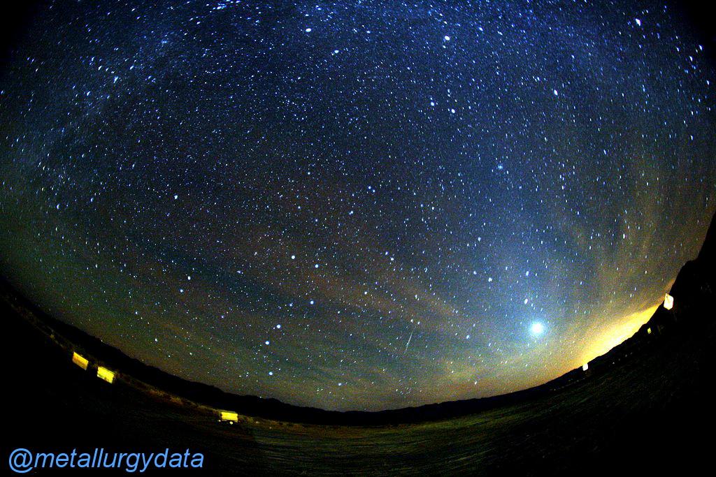 http://s9.picofile.com/file/8340505350/orionid_meteor.jpg