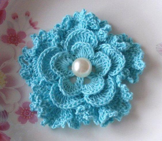 مدل گل قلاب بافی برای تزیین و دکور و تزیین کلاه بافتنی knit flowers