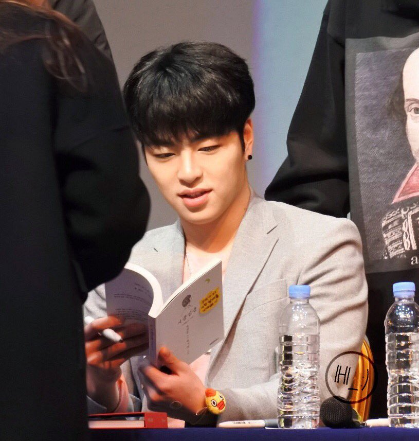 20180218 Fan Signing Event in Noryangjin 9