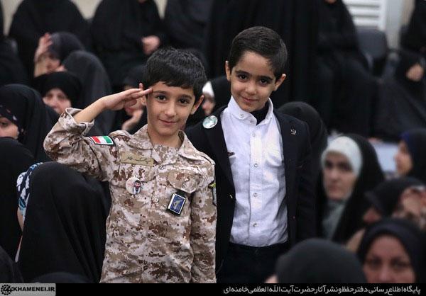 دیدارجمعی از خانوادههای شهدای دفاع مقدس و مدافع حرم با رهبر معظم انقلاب