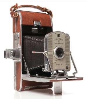 اولين دوربين آنالوگ جهان که وارد بازار شد