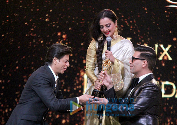 [تصویر:  Celebs_grace_Lux_Golden_Rose_Awards_201889_5.jpg]
