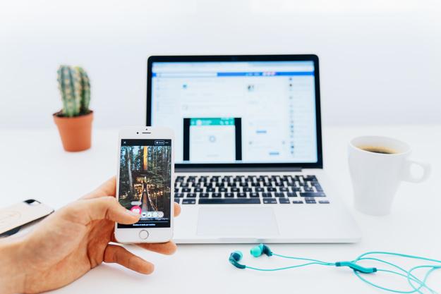 شبکه های اجتماعی یا وبسایت؟ کدام برای شروع یک کسب و کار مناسب است؟
