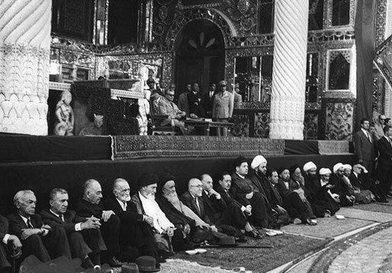 محمدرضا پهلوی در مراسم محرم