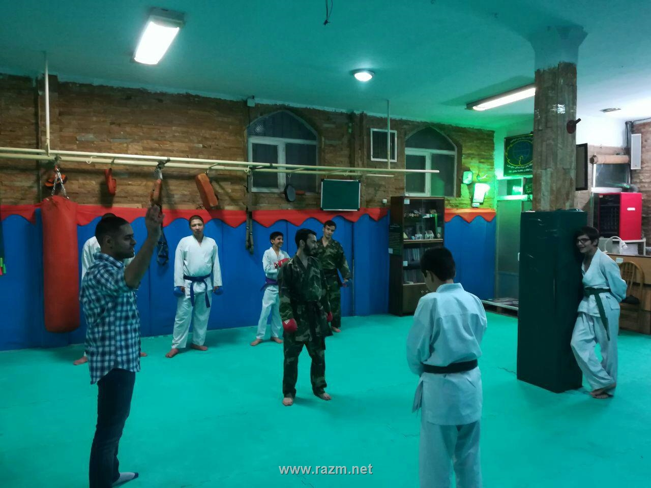 کلاس کاراته و رزمی جوانان