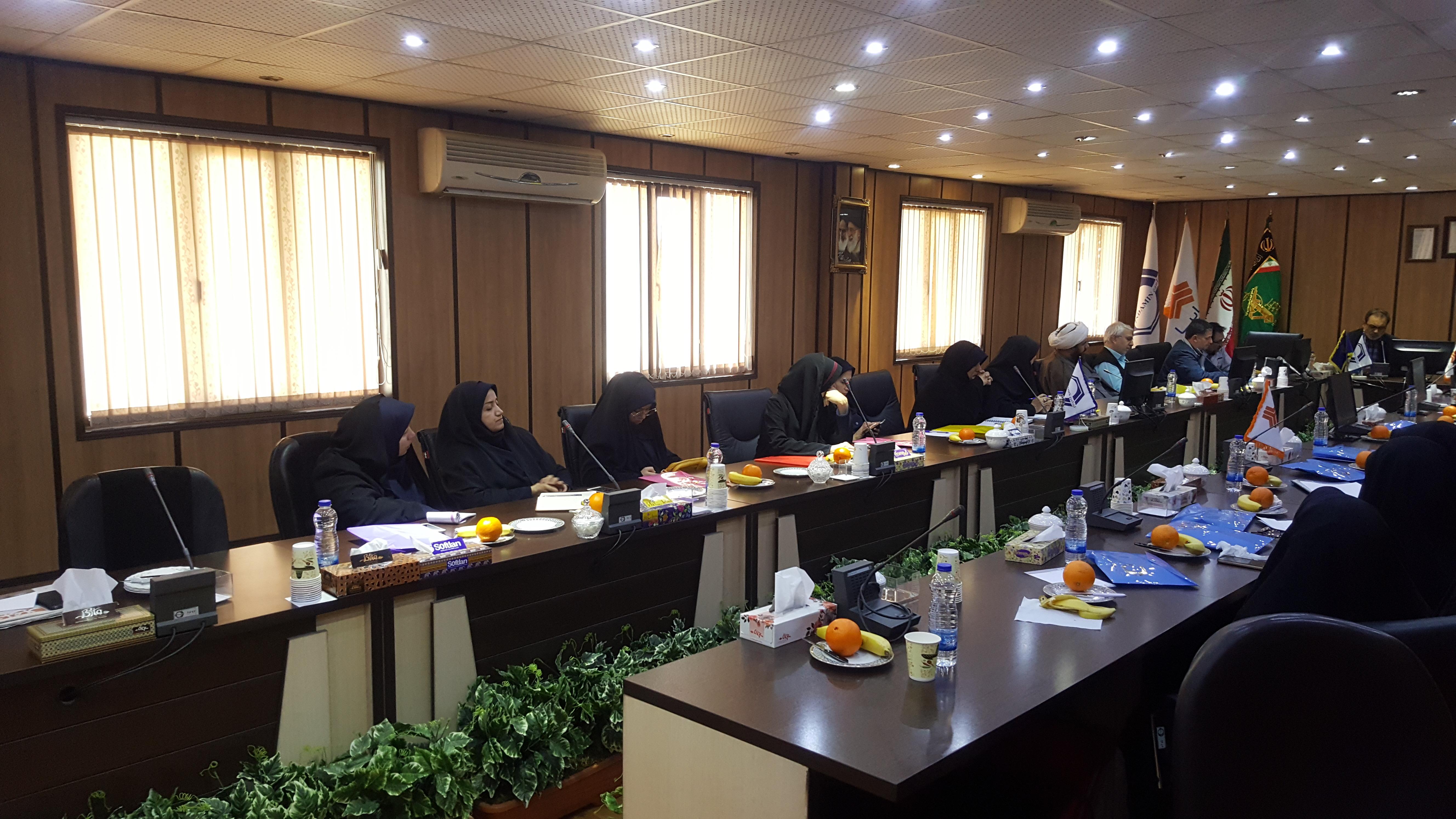 تشکیل جلسه شورای حوزه و فرماندهان بسیج شرکتهای گروه سایپا با حضور خواهران