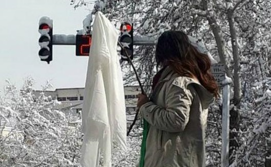 حکم متهم پرونده دختران خیابان انقلاب صادر شد