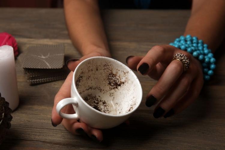 صورت در فال قهوه دیدن صورت در فال قهوه صورت مرد در فال قهوه صورت زن در فال قهوه تعبیر صورت در فال قهوه