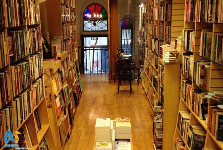 کتابفروشی Homer Kitabevi در استانبول