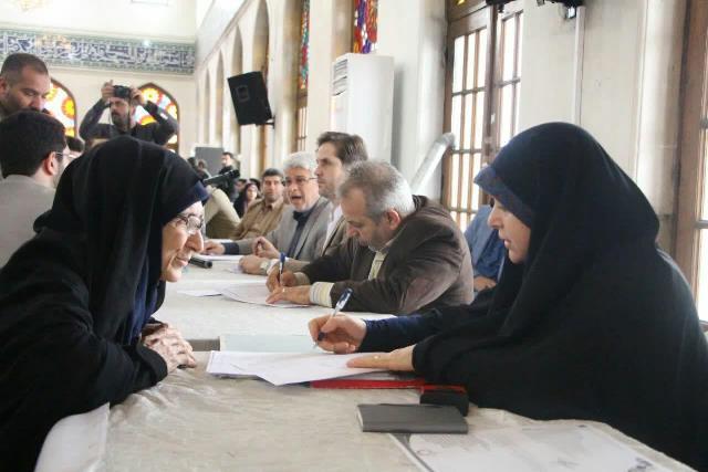 گزارش تصویری برپایی میز خدمت پاسخگویی به مشکلات شهروندان با حضور رییس و جمعی از اعضای شورای اسلامی و مدیران شهرداری در مصلی رشت