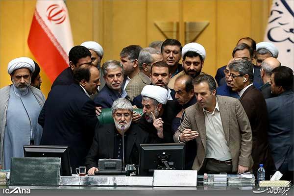 آیینه یزد - آقای خاتمی ممنوعالملاقات نیستند و ممنوعالتصویر هستند که خود این موضوع هم مبنای قانونی ندارد