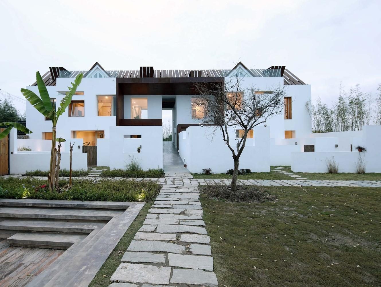 طراحی فضای اقامتی - هتل جذابی در کشور چین با رویکرد طراحی های روستیک