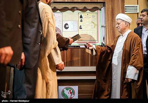 آیینه یزد - رسیدگی به پرونده فوت آیتا... هاشمی در شورایعالی امنیت ملی متوقف شده است