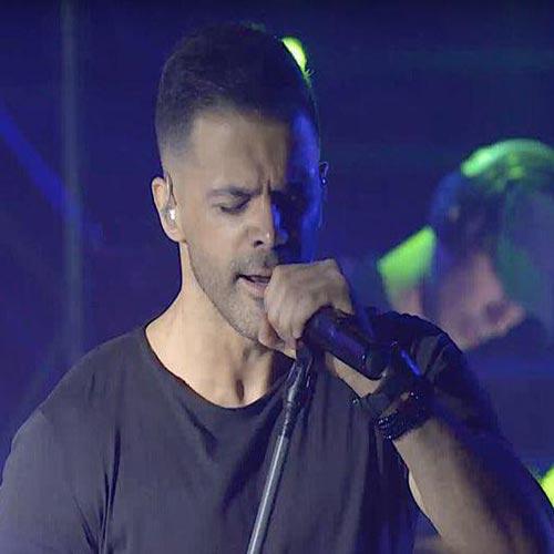 دانلود آهنگ جدید سیروان خسروی به نام جای من نیستی (اجرای زنده)