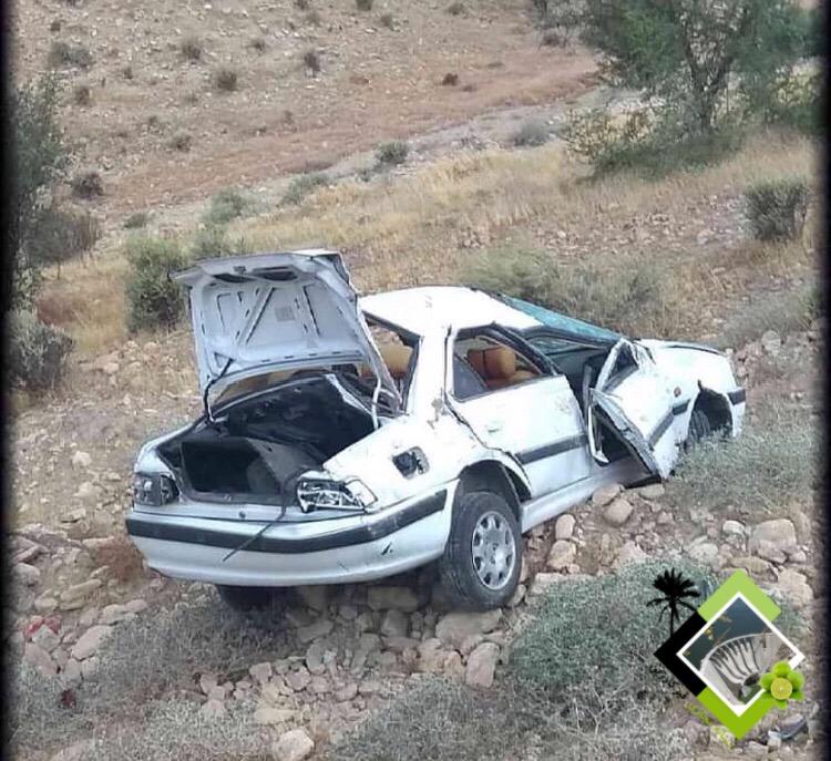 واژگونی خودرو در محور قیر-جهرم
