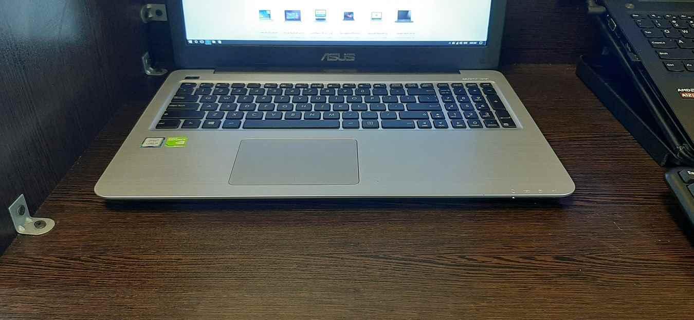 لپ تاپ استوک ایسوس مدل ASUS K556U با مشخصات i7-7gen-8GB-1TB-HDD-2GB-nvidia-GT-940MX